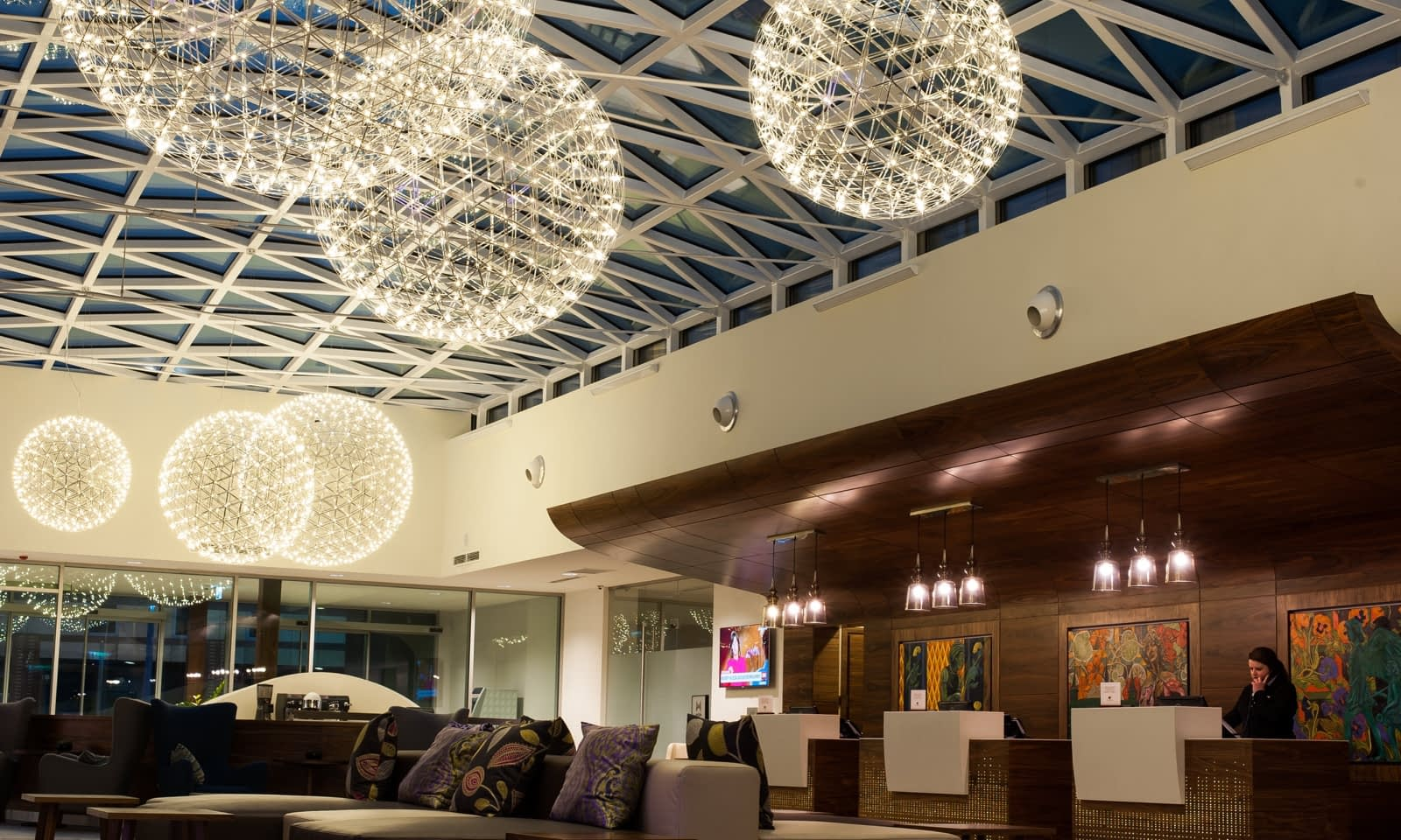 Instalacja AV w kompleksie DoubleTree by Hilton Krakow Hotel & Convention Center Brill AV Media