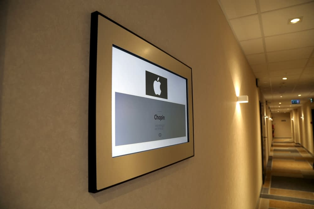 Digital signage - Brill AV Media