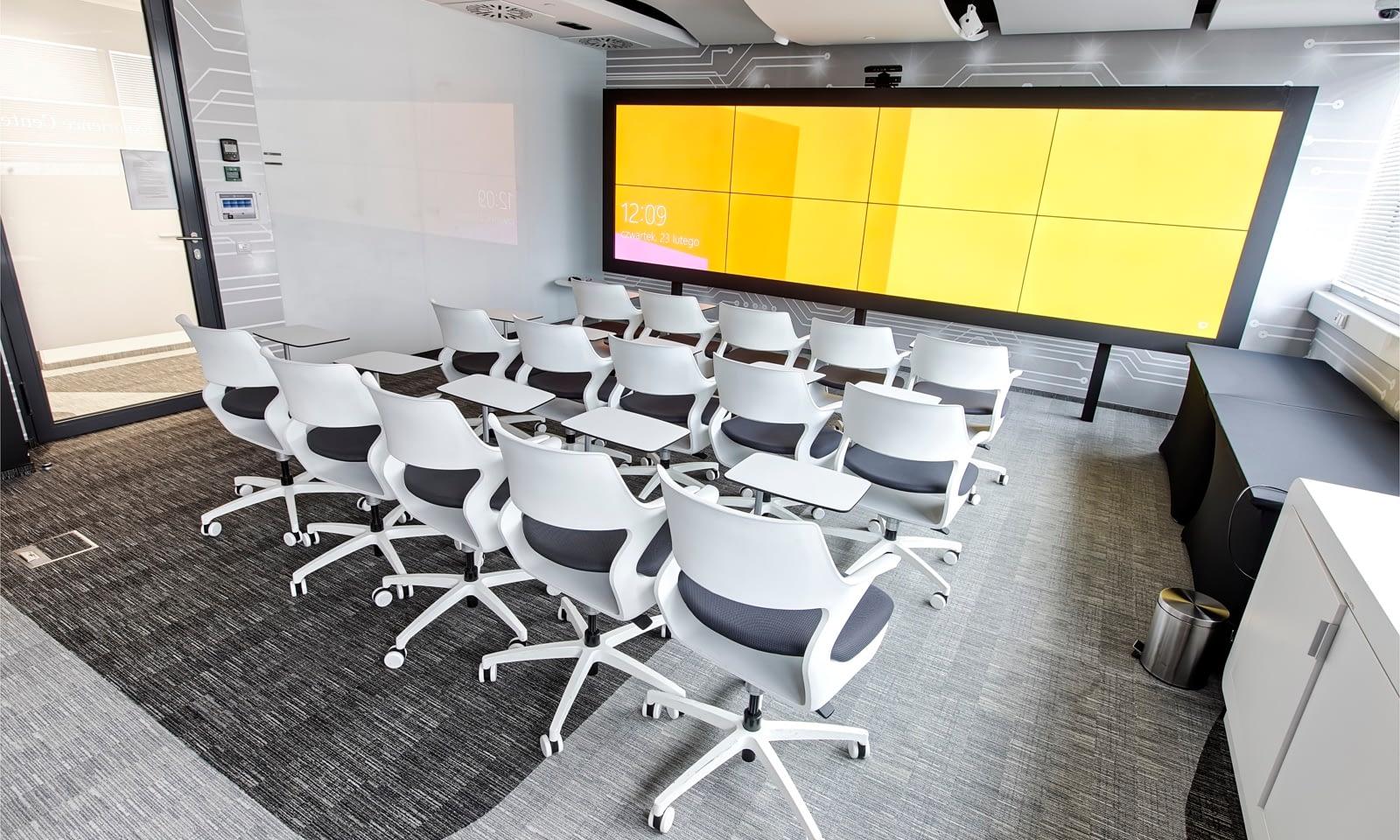 Instalacja w sali Innovation Lab PwC